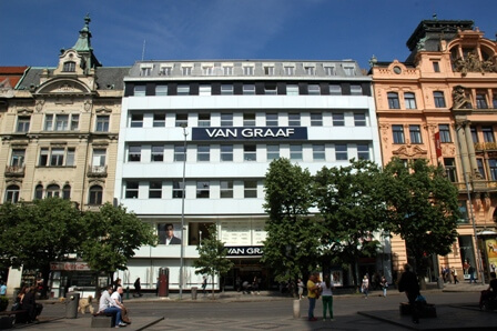 shopping_centres_in_prague_van_graf