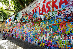 הקיר של ג'ון לנון בפראג
